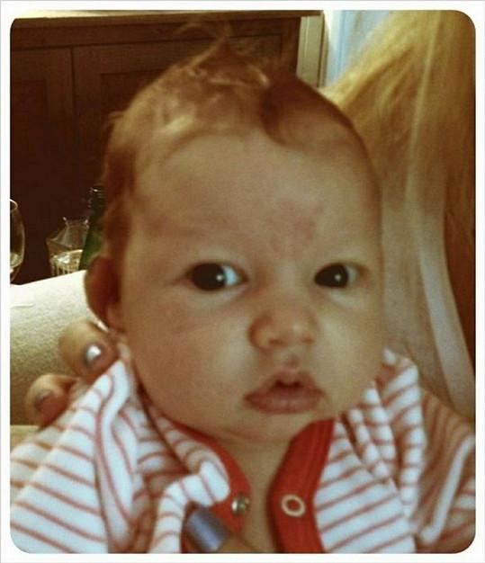 Roztomilá Maxwell plní profily na sociálních sítích své známé maminky.