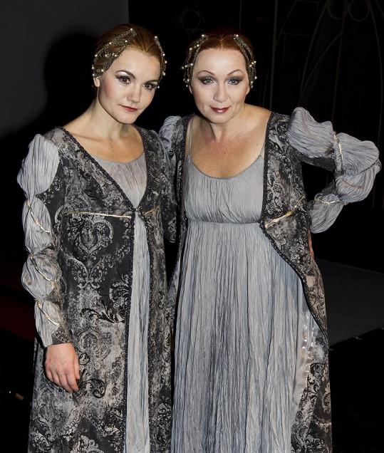Po operaci bude muset Báru v představení Lucrezia Borgia zastoupit kolegyně Iva Marešová.