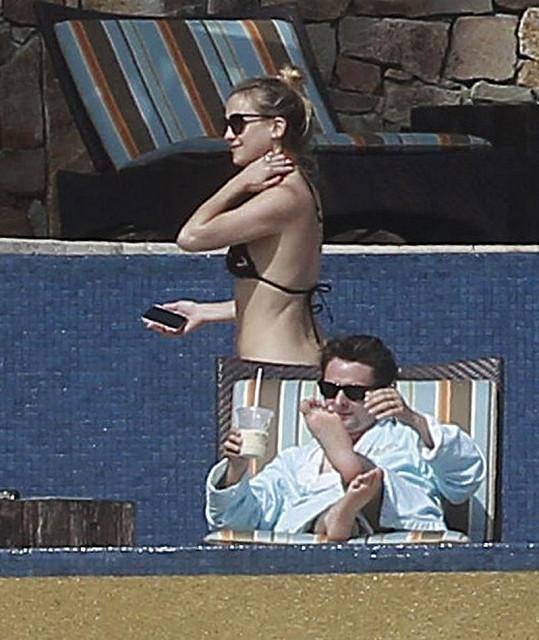 Kate Hudson s Mattem Bellamym na dovolené v Cabo San Lucas v Mexiku.
