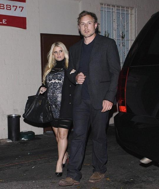 Jessica se snoubencem Ericem Johnsonem.