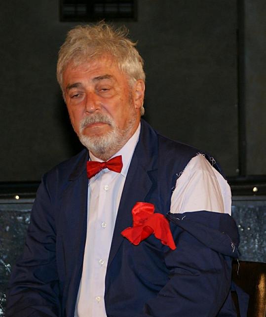 Jan Rosák v sobě na stará kolena objevil herecké vlohy.