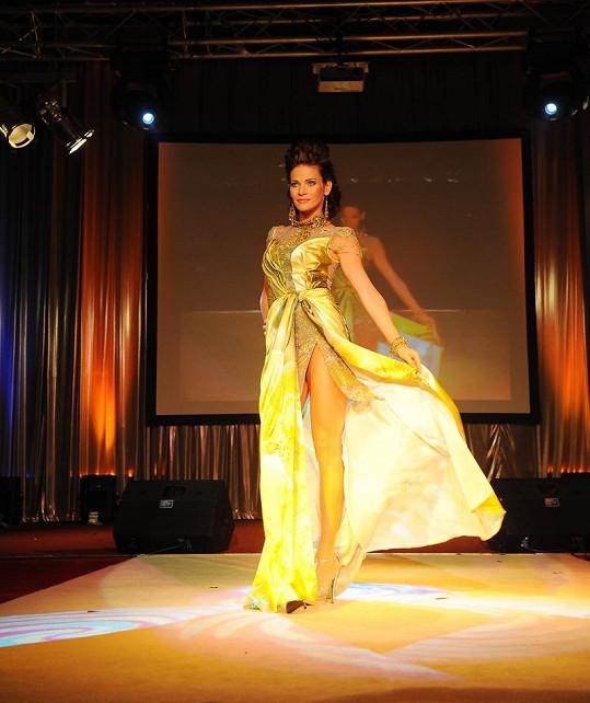 Andrea Verešová byla jednou z hvězd módní show Jiřiny Tauchmannové.