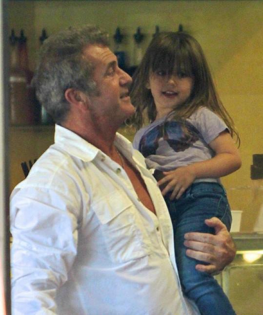 Mel Gibson s dcerou Luciou.