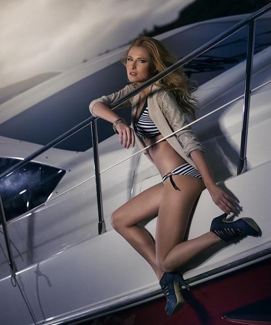 Romana Pavelková pózovala na jachtě.