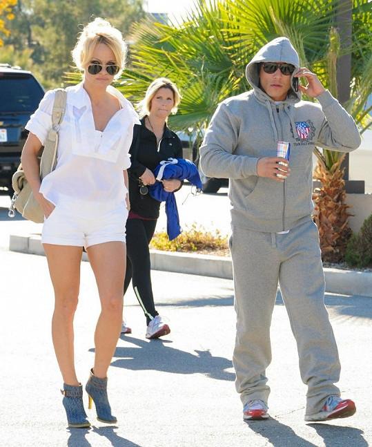 Pamela Anderson se svým přítelem Jesusem Villou.