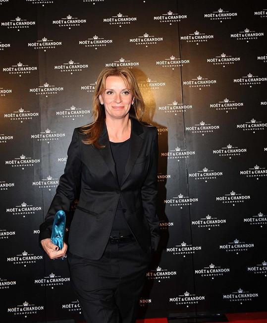 Ivana Chýlková byla až zbytečně střízlivě oblečená.