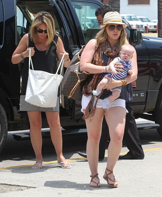 Roztomilý Luca byl na dovolené s maminkou, tetou a babičkou.