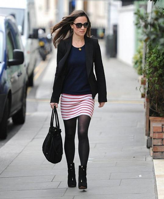 Mladší sestra Kate Middleton opět okouzlila svou postavou.