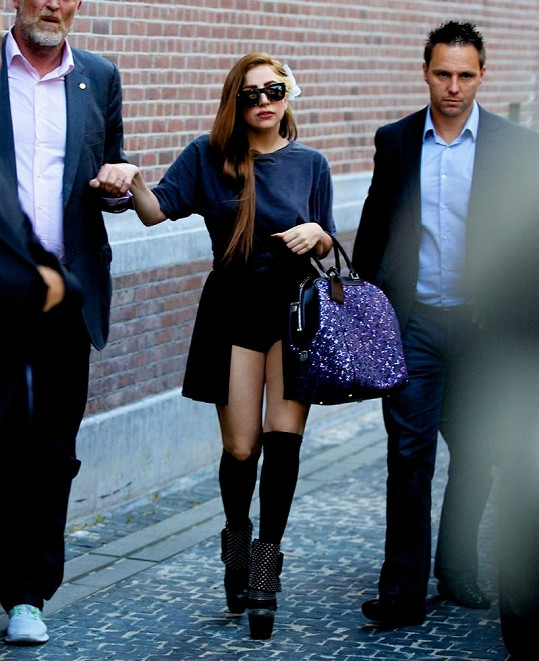 Zpěvačka v Amsterdamu.
