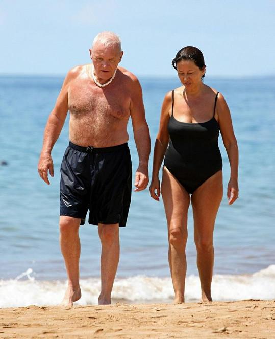 Hopkins miluje pláže a sluníčko a v domě na pláži by se mu jistě líbilo.
