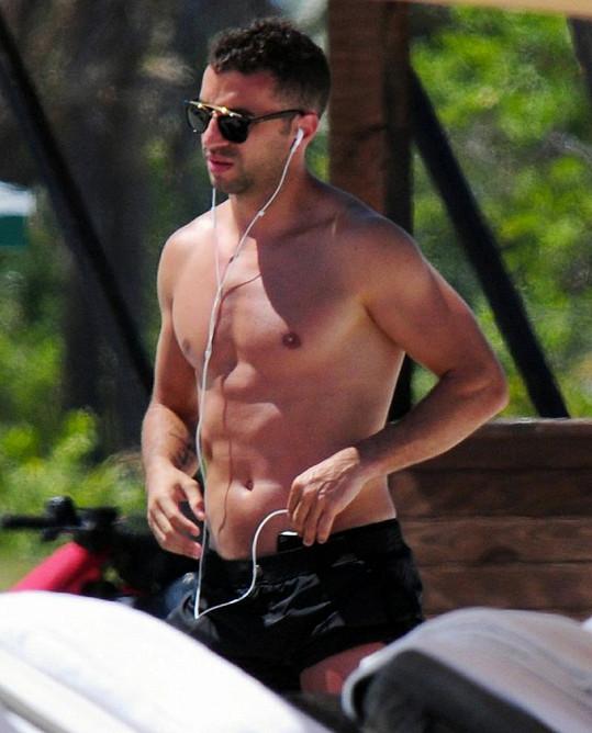 Portugalský fotbalista má luxusní tělo.