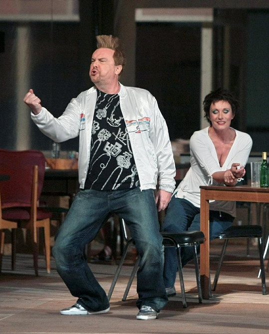 Štefan Margita si kvůli účinkování v opeře Wozzeck nechal udělat pěkné číro.