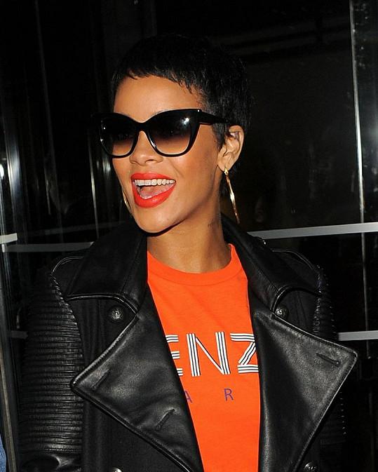 Rihanna je rovněž na kluka.