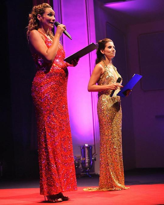 Lejla Abbasová a Eva Decastelo při společné práci.