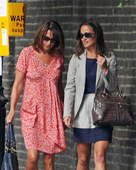 Carole a Pippa Middletonovy.