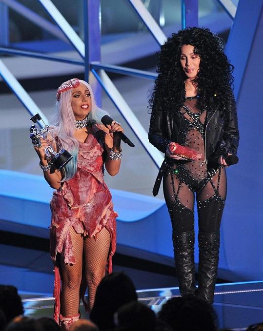 Lady Gaga a Cher.