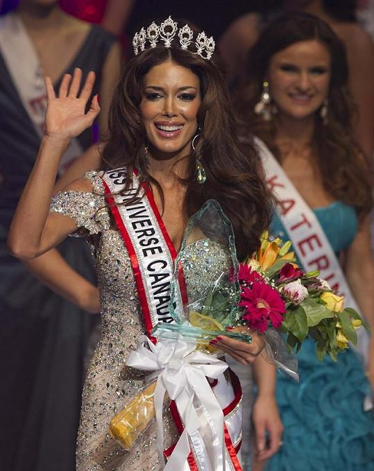 Vítězka Miss Universe Canada Sahar Biniaz.
