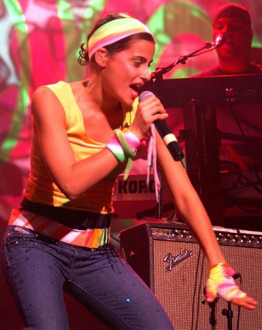 Zpěvačka na koncertě v roce 2002.
