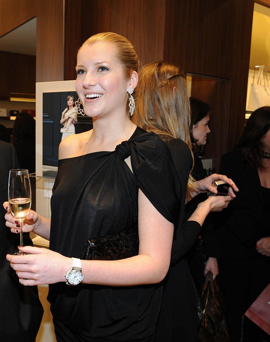 Jitka Nováčková na párty.