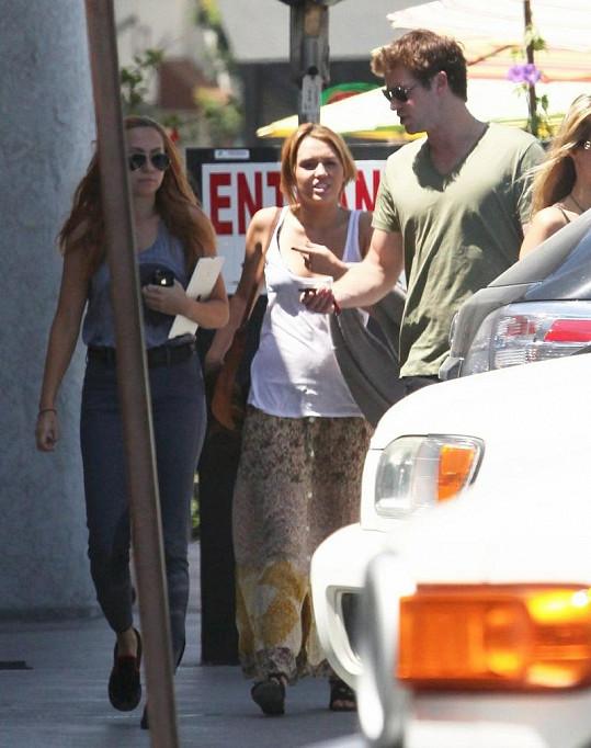 Miley a Liam se pohádali v ulicích kalifornského Burbanku.