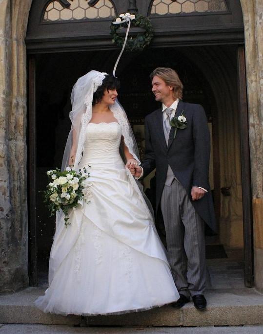 Láskyplný pohled novomanželů.