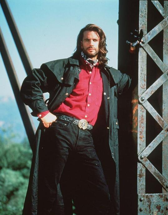 Takhle jej známe všichni: Lorenzo Lamas jako Reno Raines alias Vince Black.