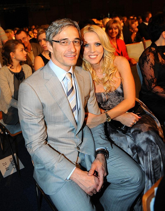 Roman Kufa s přítelkyní Gabrielou Bendovou spolu žijí už rok.