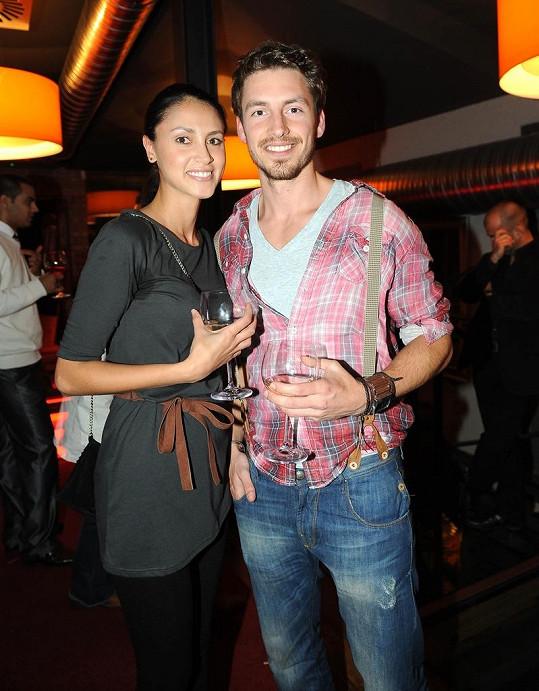 Martin s přítelkyní Denisou na večírku Pražského víkendu módy.
