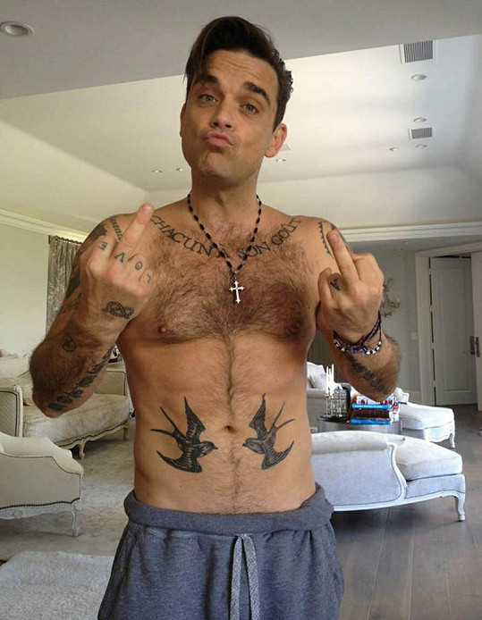 Robbie Williams se rozhodně nemá za co stydět.