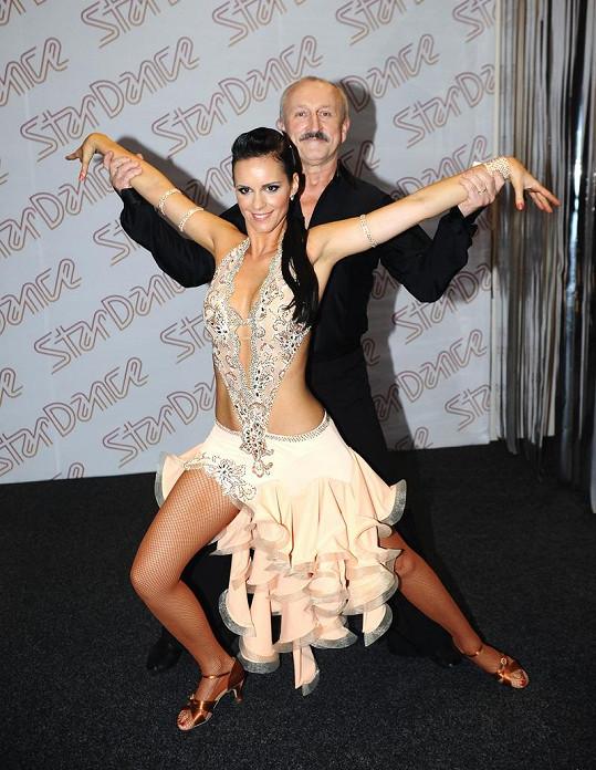 Sympatický herec se tance nebál.