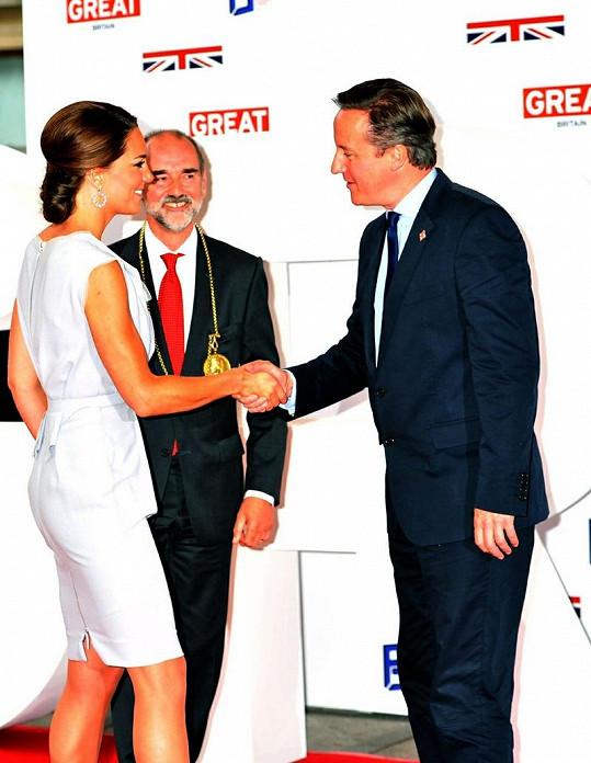 Vévodkyně Catherine se setkala s britským premiérem Davidem Cameronem.