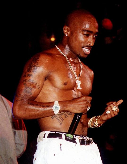 Tupac Shakur na koncertě.