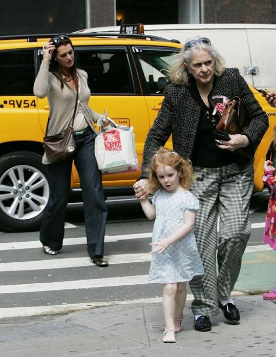 Herečka s dcerou a maminkou v roce 2009.