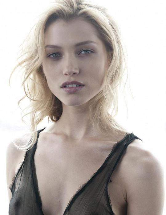 Hanka vyhrála soutěž Schwarzkopf Elite Model Look v Česku, na světovém finále byla třetí.