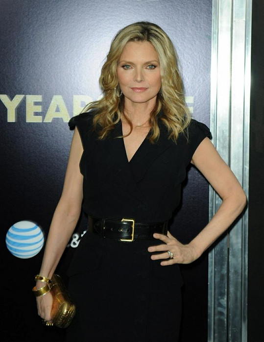 Michelle Pfeiffer obdrží cenu Cinema Icon Award.