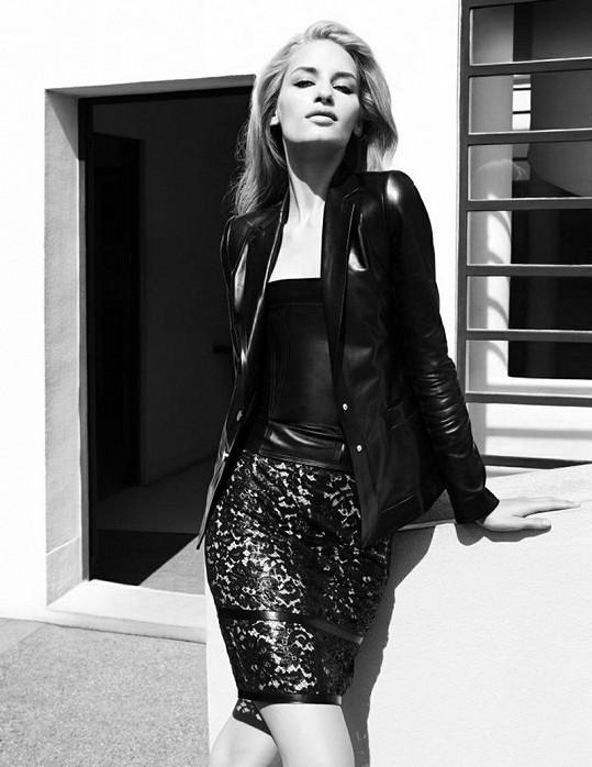 Modelka je tváří mnoha prestižních značek, přehlídky chodí jen málokdy.