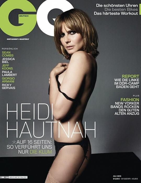 Loni v červenci zdobila Klum německý GQ oděná jen do podvazkového pásu.
