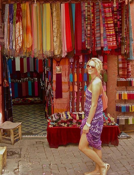 Nikol Moravcová na trzích v Maroku.