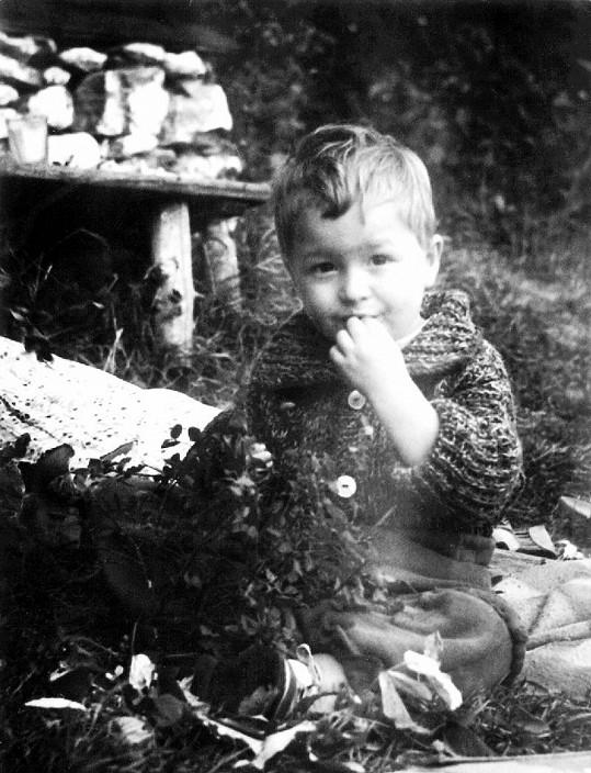 Michal David trávil část dětství v Itálii, část v dětském domově.