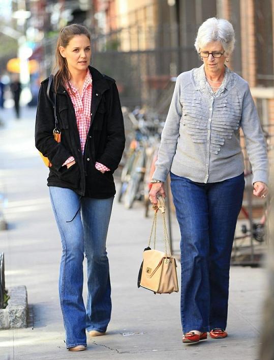 Katie a Kathleen zašly na oběd do restaurace v New Yorku.