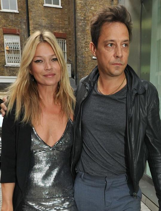 Kate s manželem Jamiem Hince.