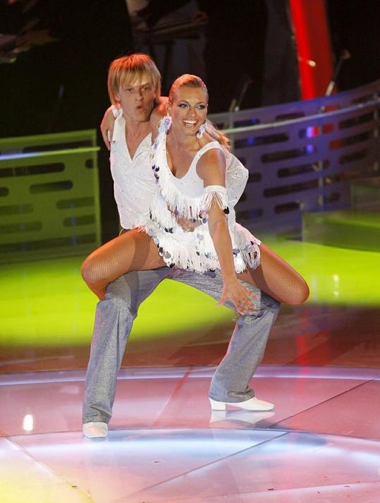 Lucie Borhyová v taneční soutěži Bailando.