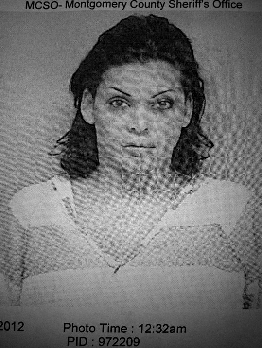 Modelka na policejním snímku po nehodě.
