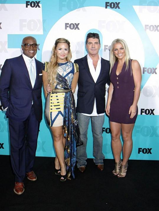Zpěvačka s ostatními porotci. Zleva: L.A. Reid, Demi Lovato, Simon Cowell a Britney Spears.