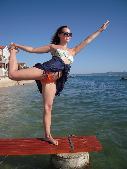 Rok 2011 - Kamila už se udržovala v kondici a pravidelně cvičila, ale s odhalováním to nepřeháněla.