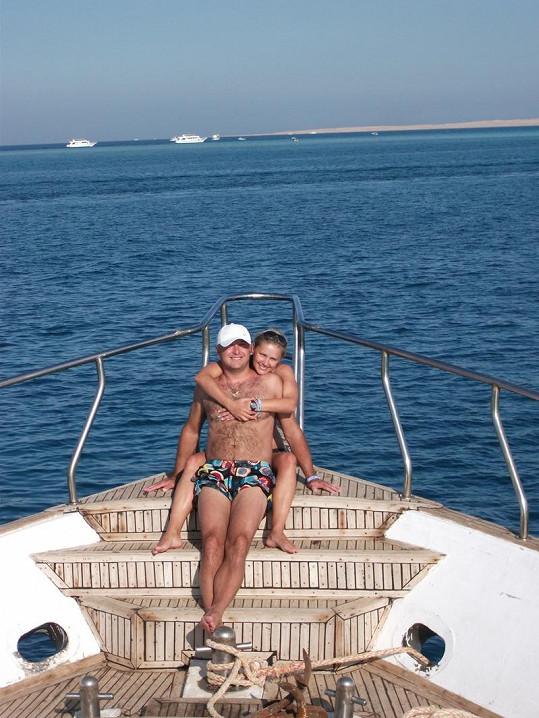 Monika s manželem Petrem Brzeskou na dovolené v Egyptě.