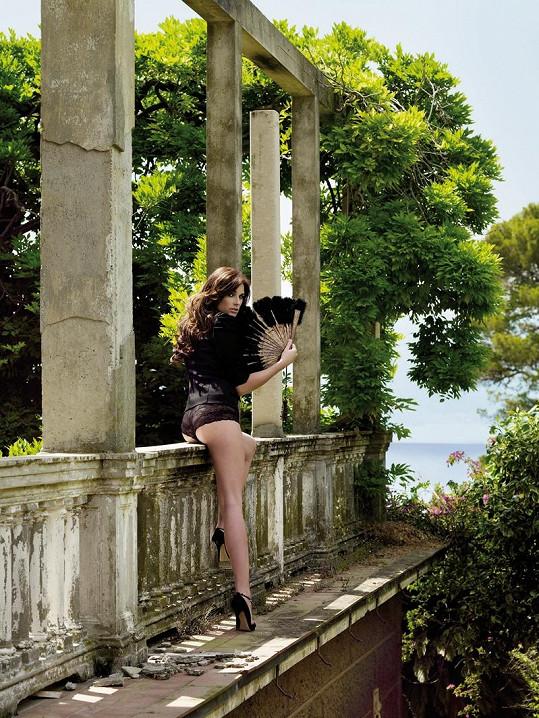 Předchozí kalendář s Alenou se fotil v Itálii.
