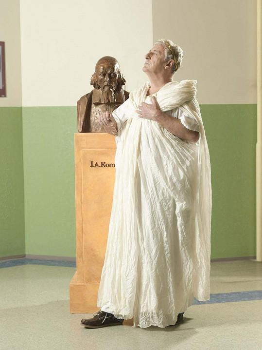 Karel Heřmánek jako Caesar.