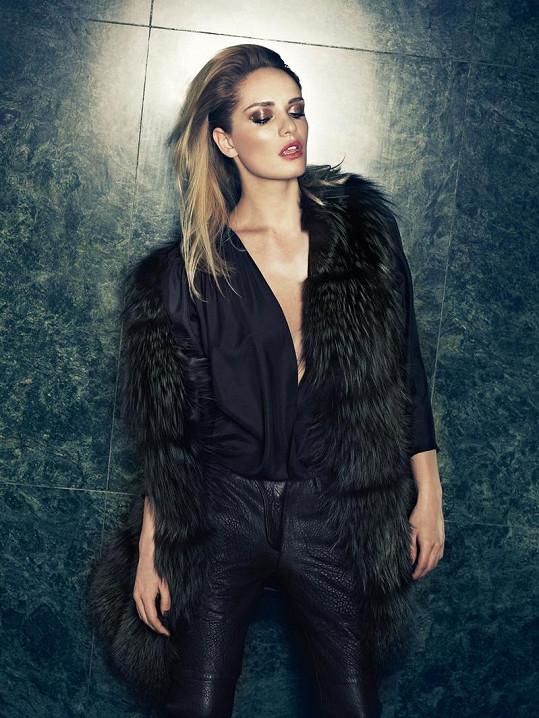 Taťána Kuchařová nafotila pro návrhářku Ivanu Mentlovou již třetí kampaň.