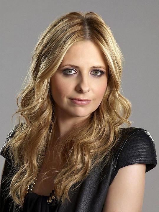 S make-upem vypadá herečka fantasticky.